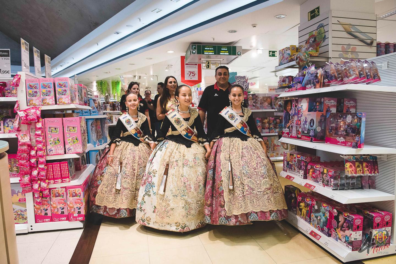 Escaparate El Corte Inglés y Merienda Reina y Damas Infantiles 2018