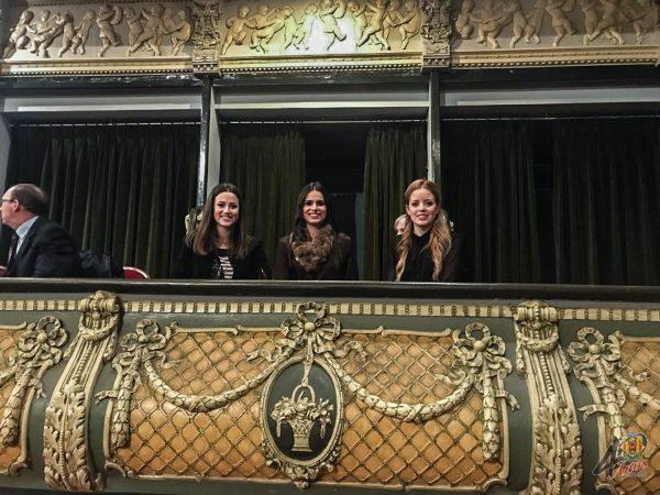 Esther, Irene y Tatiana en el Gran Teator de Elche